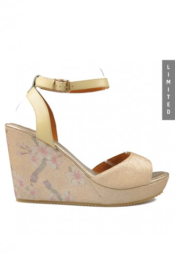 Aiko Wedges Sandals Gold