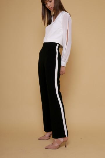 Chari Pants in Black image