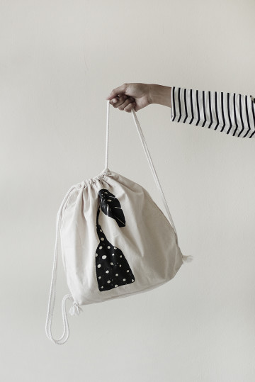 BOTTLE DRAWSTRING BAG image