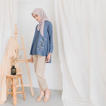 MONO BLOUSE FLOURISHING - MINERBLUE