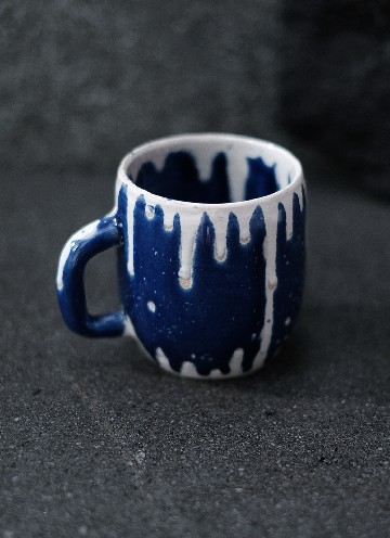 SNOW MUG IN WHITE