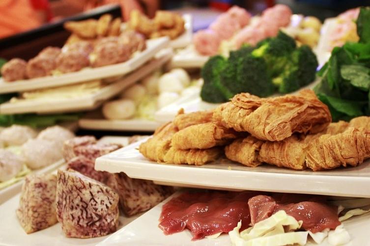 5 Tempat Makan All You Can Eat di Jogja. Semuanya di Bawah 200 Ribu Lho, Squad! image