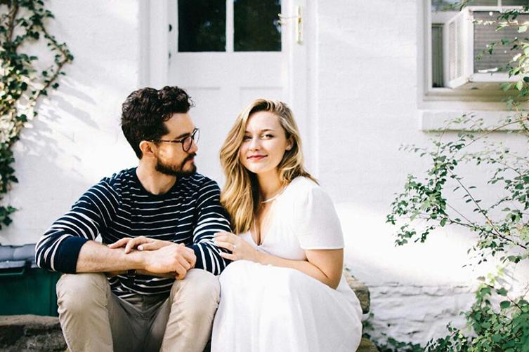 5 Alasan Ini Bakal Ngejawab Kenapa Pasangan yang Udah Lama Bareng Kelihatannya Makin Mirip image