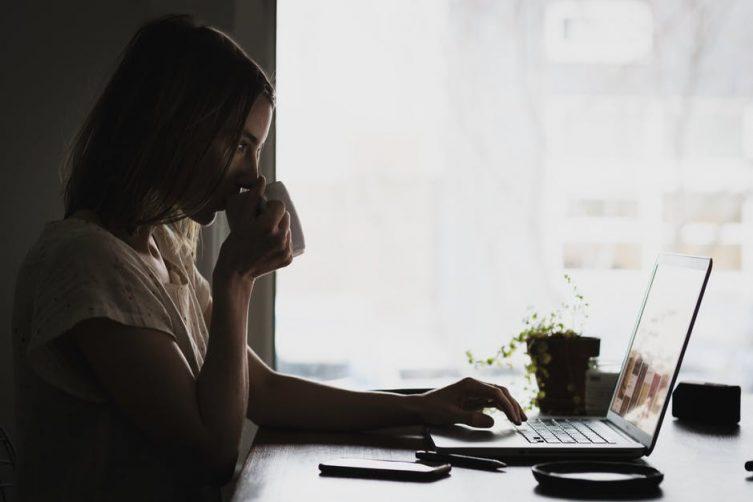 Panduan Murah Belanja Online yang Bakal Bikin Kamu Menang Banyak image