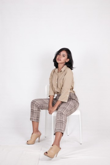 Plaid Trouser in Brown