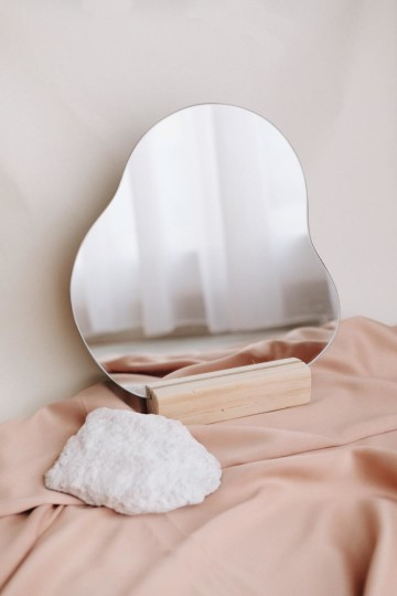 Kia Abstract Mirror