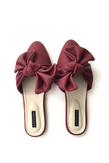 Knot Slippers - Burgundy