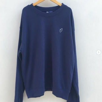 b38fd94ac56 H&M divided sweatshirt with embroidery - Blue image