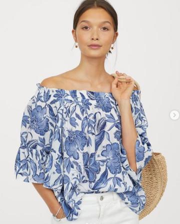 02b88b961db H&M Off the shoulder blouse - blue pattern image
