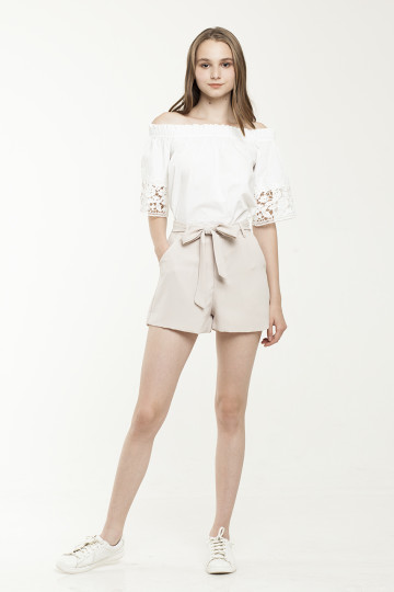 Pax Belted Short - Creme
