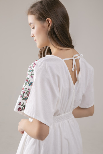 Gracie Floral Embro Dress - White
