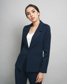 BASIC NAVY BLAZER
