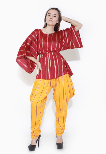 Kimono Sleeves Blouse In Red Stripe Pattern image