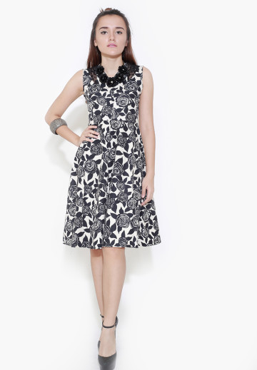 Classy Flowery Midi Dress image