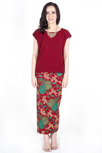 Tyra Skirt in Maroon image