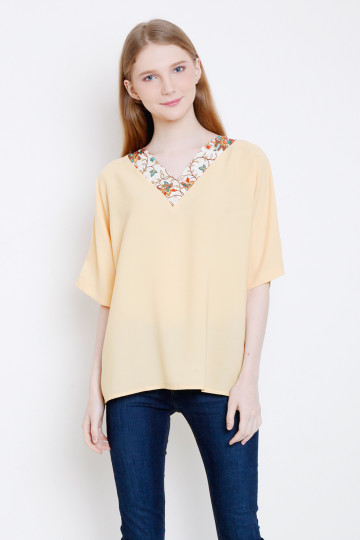 Isty Top in Yellow image