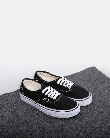Vans Authentic - Black White - 13344