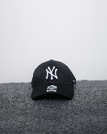 //files.sirclocdn.xyz/doyanpepaya/products/_190220154104_61566%20-%20idr%20195.000%20-%20New%20york%20yankees%2047%20clean%20up%20-%20hitam_tn.jpg