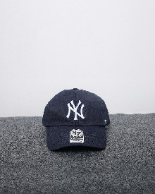 //files.sirclocdn.xyz/doyanpepaya/products/_190220154145_61567%20-%20IDR%20195.000%20-%20%20New%20york%20yankees%2047%20clean%20up%20-%20navy%20putih_tn.jpg