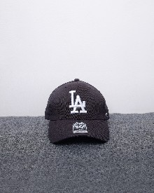 //files.sirclocdn.xyz/doyanpepaya/products/_190220154420_61614%20-%20IDR%20195.000%20-%20%20Los%20angeles%20dodgers%2047%20MVP%20-%20black%20white_tn.jpg