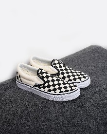 //files.sirclocdn.xyz/doyanpepaya/products/_190228145403_13284%20Vans%20Kids%20Checkerboard%20Slip-On%20Shoes%20-%20hitam-putih%20455rb%2028-35_tn.jpg