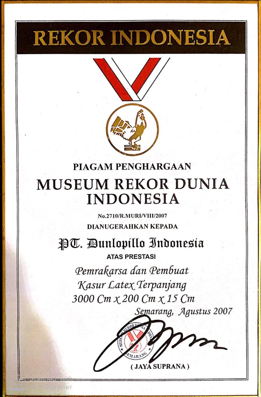 MURI (Pemrakarsa dan Pembuat Kasur Latex Terpanjang 3000cm x 200cm x 15cm)