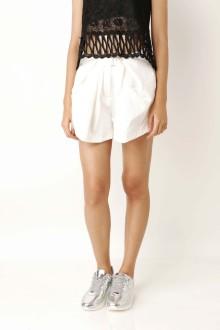 White Sitbelt Short