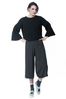 Black Knit Bell Sleeve Sweatshirt