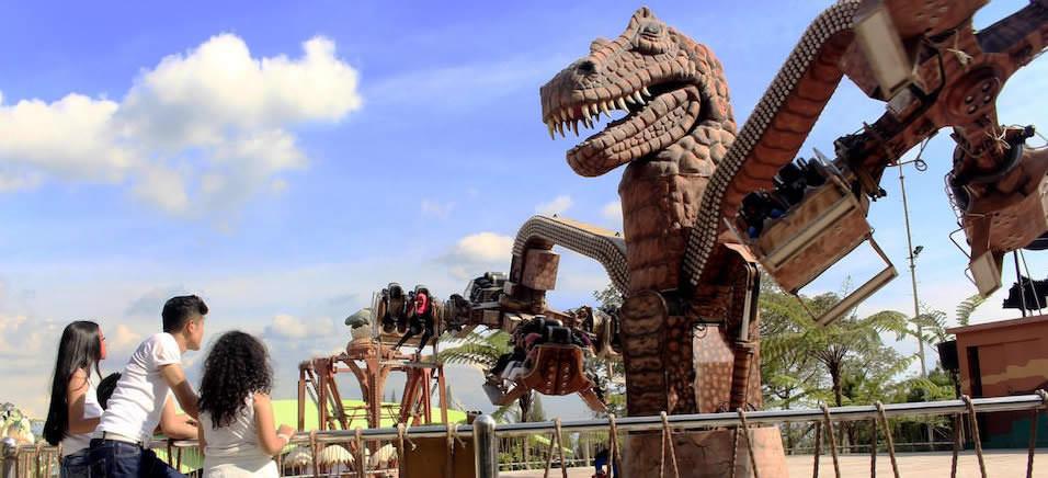 Mikie Holiday Funland