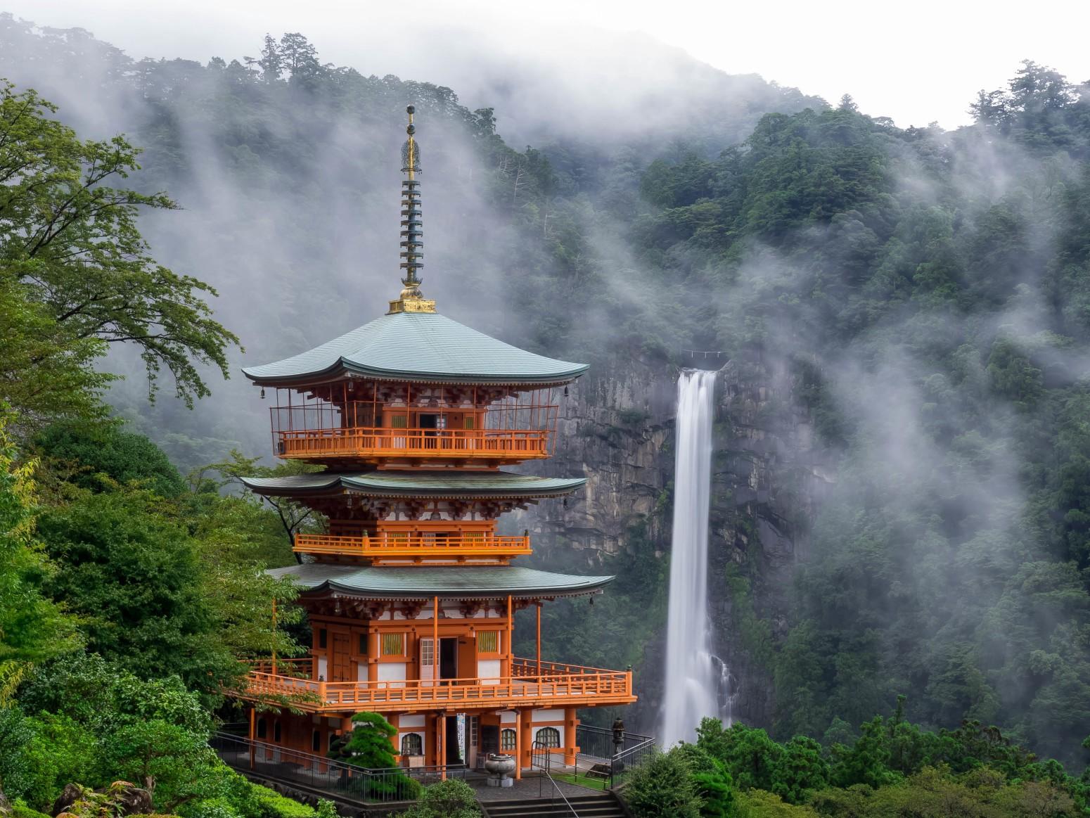 Nachi no Taki: Air Terjun, Situs Kuno, dan Kuil image