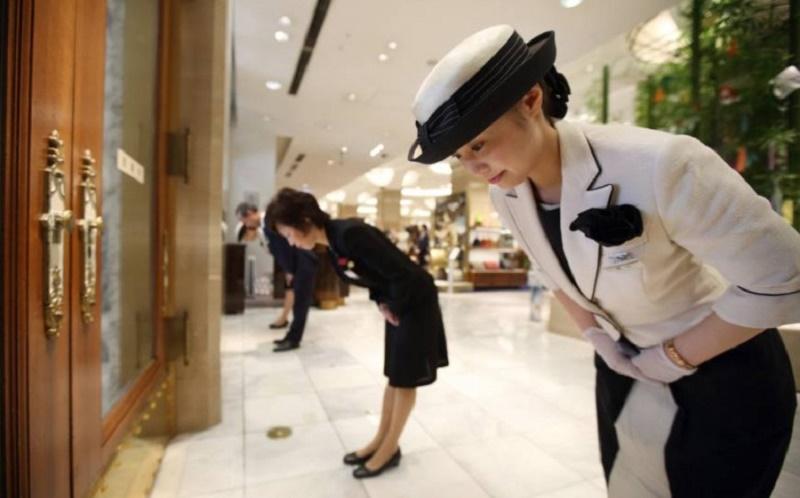 Membingungkankah? Tradisi Membungkuk di Jepang