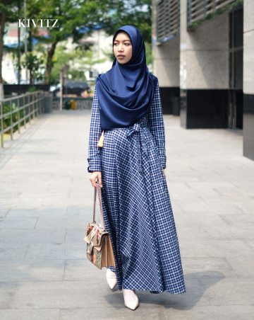 KATE PLAID DRESS - (Blue Navy) / PRE ORDER image