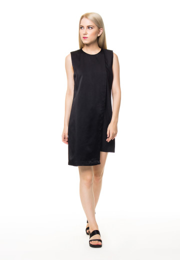 Black slip-on Klara Dress