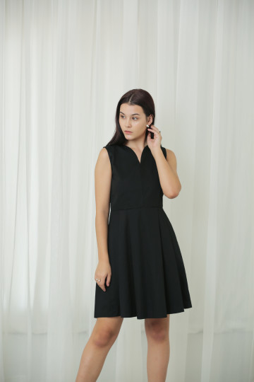 Hart Dress Black