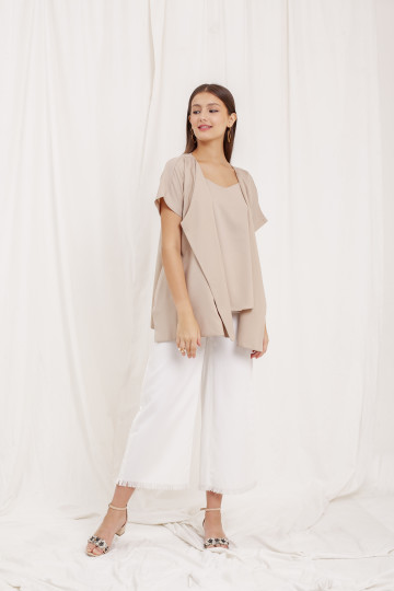 COULE OUTER NUDE