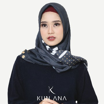KERUDUNG VOAL LIGHTER BY KUN ANA