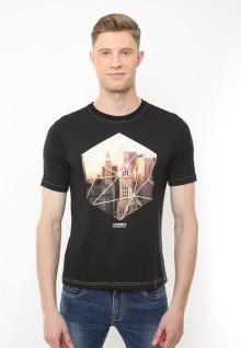Slim Fit - Kaos Casual Active - Motif Sablon City Light - Hitam