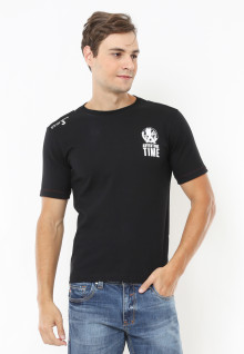 Slim Fit - Kaos Casual Active - Adventure - Hitam