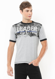Slim Fit - Kaos Fashion - Motif Sablon Leader LGS Denim - Abu