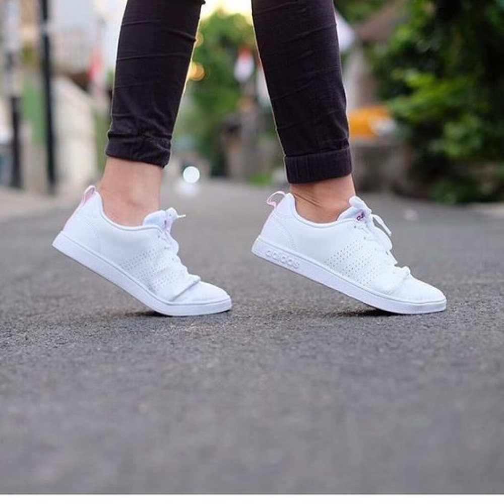 adidas neo advantage white
