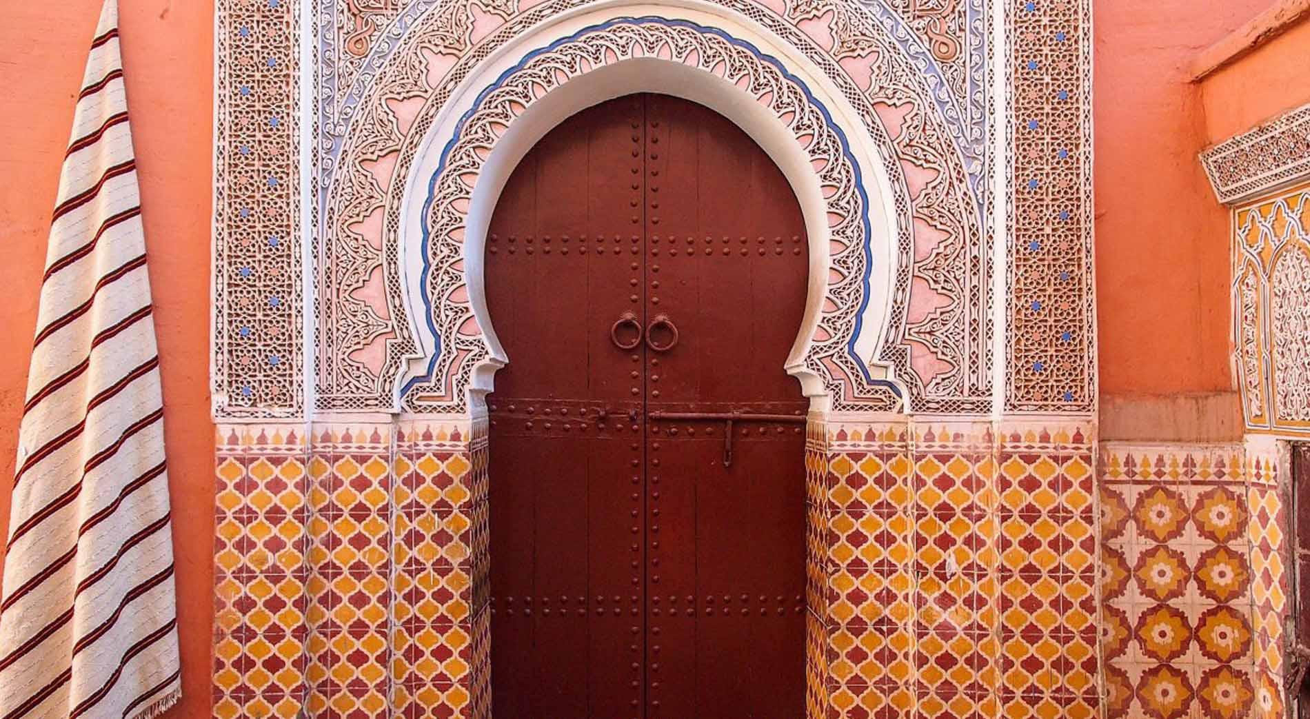 Pintu Tapal Kuda