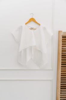 Elia in White