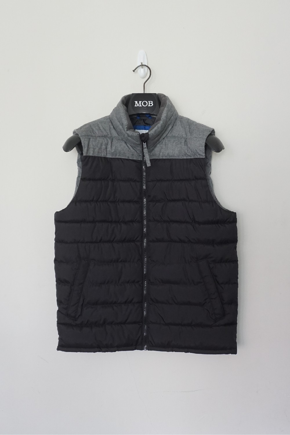 On07003 Mens Puffer Colorblock Quilted Vest Black Grey