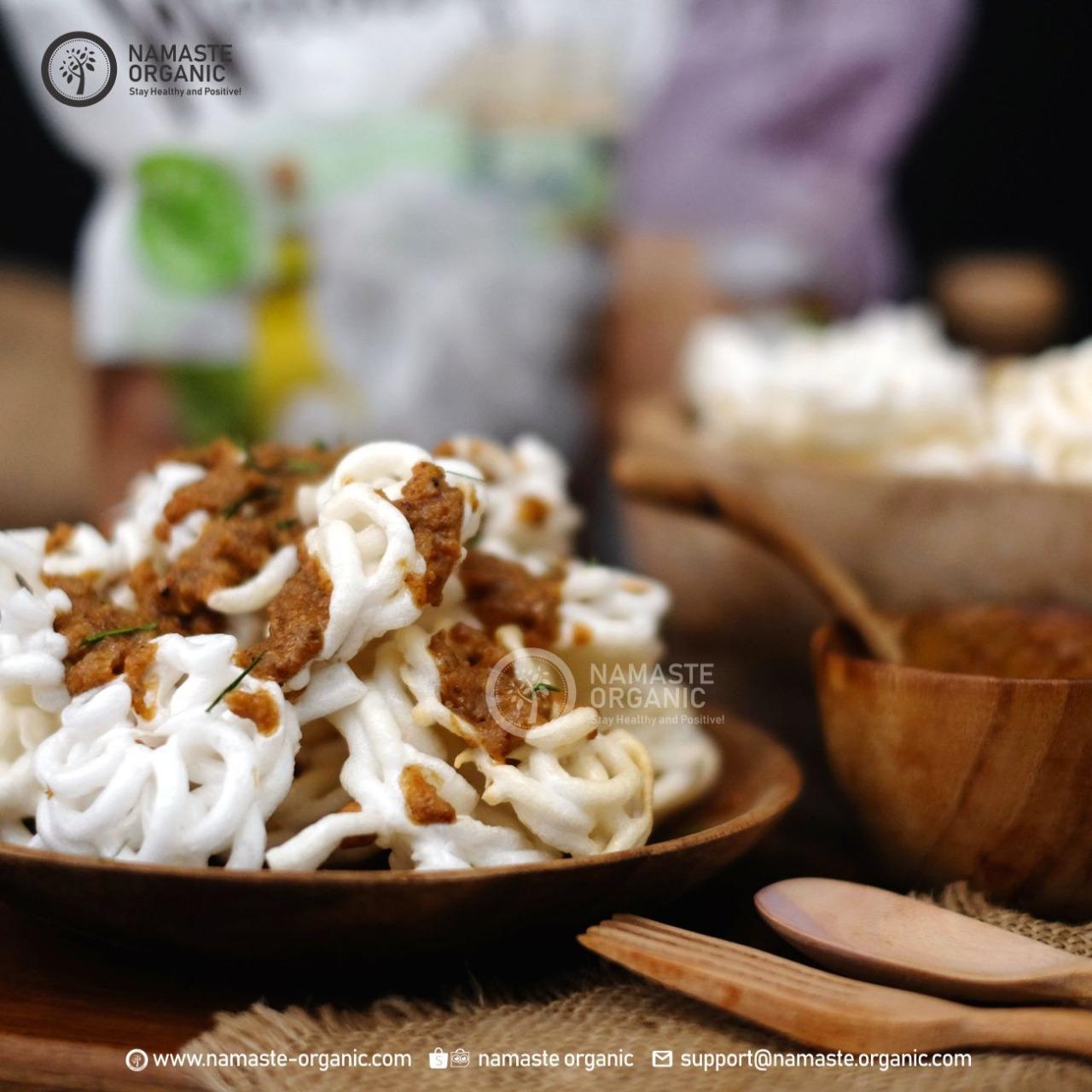 Kerupuk Banjur with Homemade Peanut Sauce image