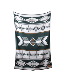 Amulet Green Blanket
