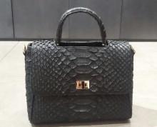 Bag Linda Small Black (Sisik Besar)