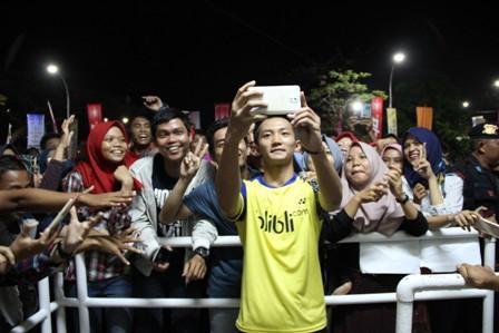 Ricky Karanda, Ihsan Maulana Mustofa dan Jonatan Christie Jadi Buruan Foto di PON Jawa Barat
