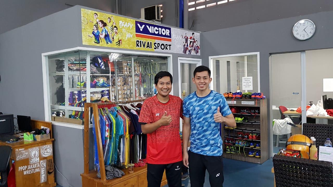 Muhammad Rian Ardianto Berkunjung ke Store Rivai Sport Sebelum Asian Games