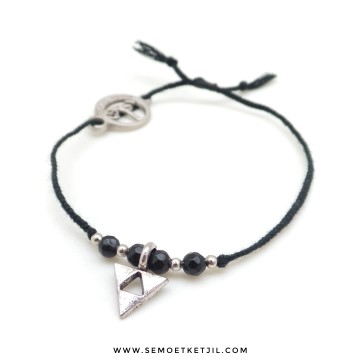 Black Agate Triangle Arrow image