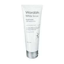White Secret Facial Wash with AHA